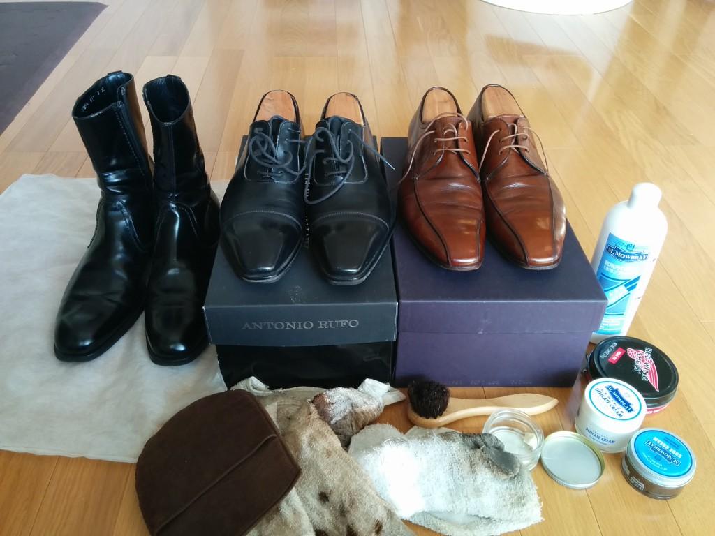 靴が汚いと非常に残念です。 特に髪型や時計にはこだわっているけど、靴が汚い人、いますよね。 個人的に非常に残念だと思います。わかりやすいところにだけ気を付け